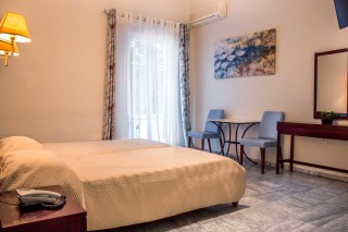 quadruple-room-pension-stella-andros-01