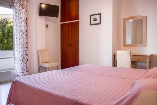 triple-room-pension-stella-andros-01