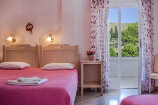 triple-room-pension-stella-andros-06